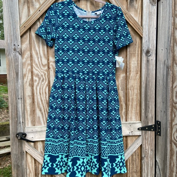 LuLaRoe Dresses & Skirts - LulaRoe - Amelia Dress